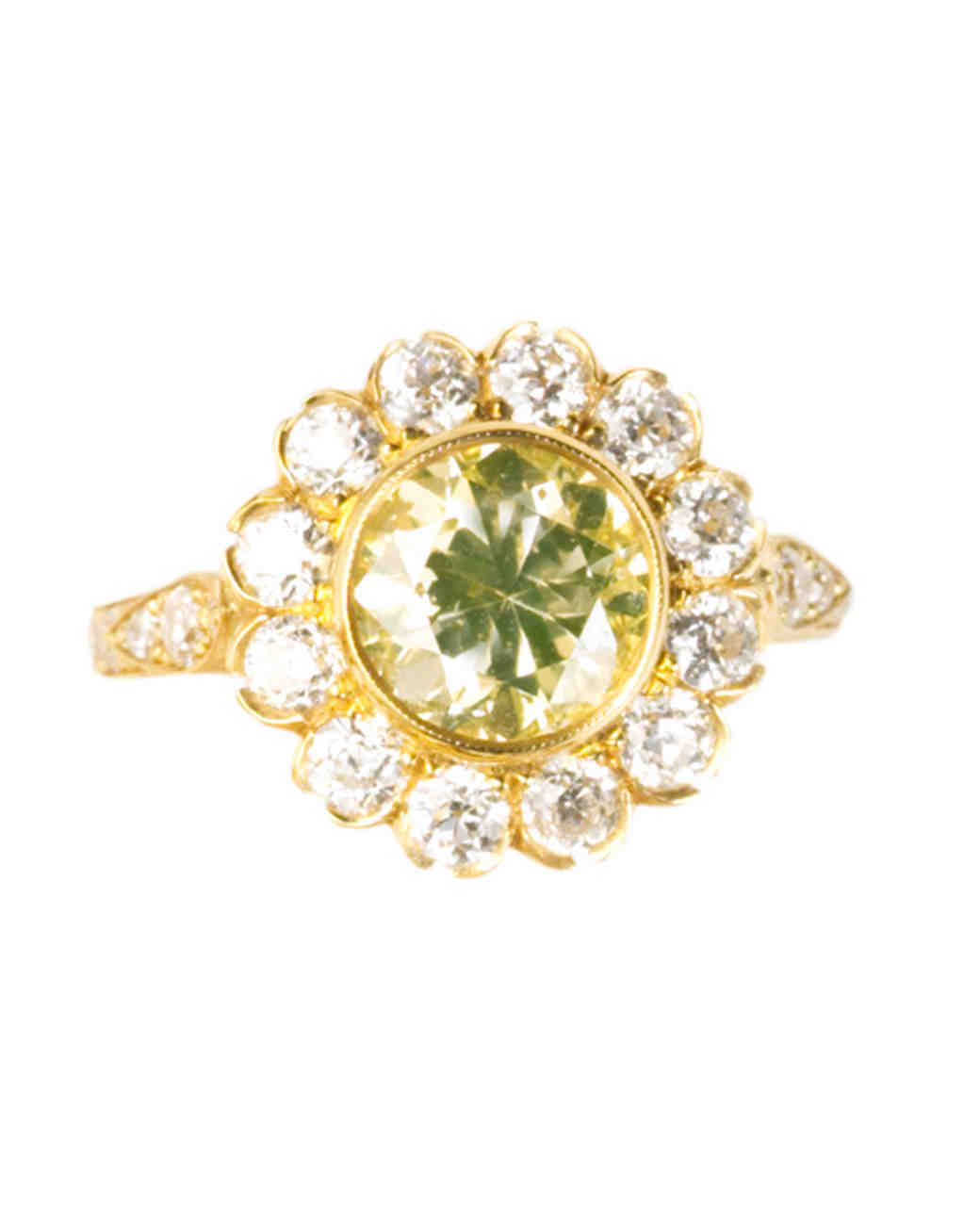 Round-Cut Yellow Gold Engagement Ring With Yellow Diamond