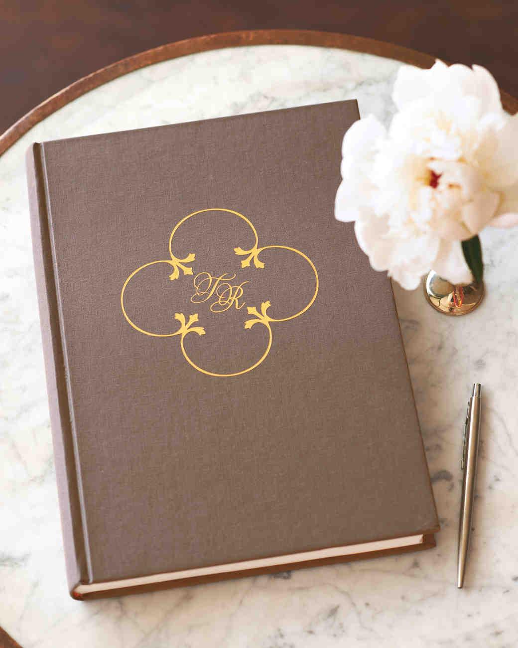 tiler-robbie-guestbook-004-d111357.jpg