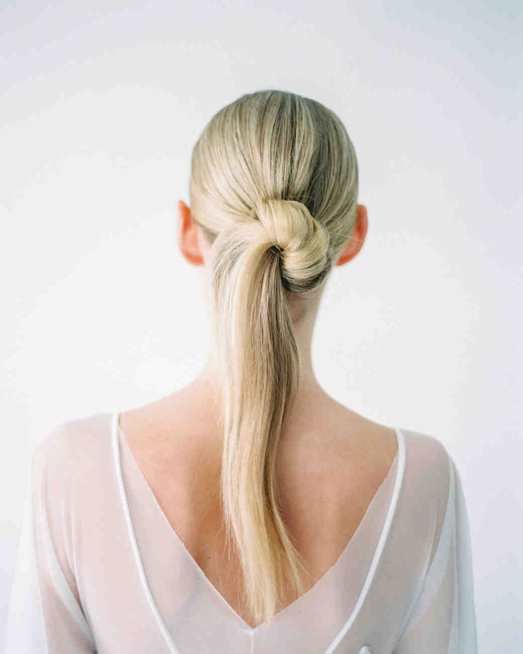 Modern Wedding Hairstyles for the Cool, Contemporary Bride   Martha ...