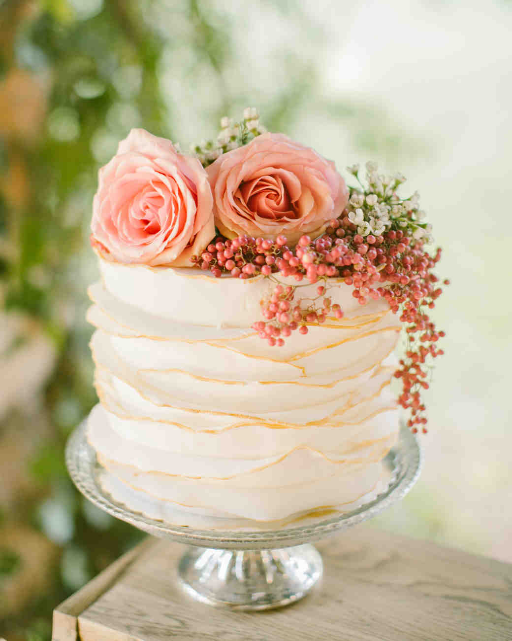 Single-Tiered Deckle-Edge Cake Topped with Flowers