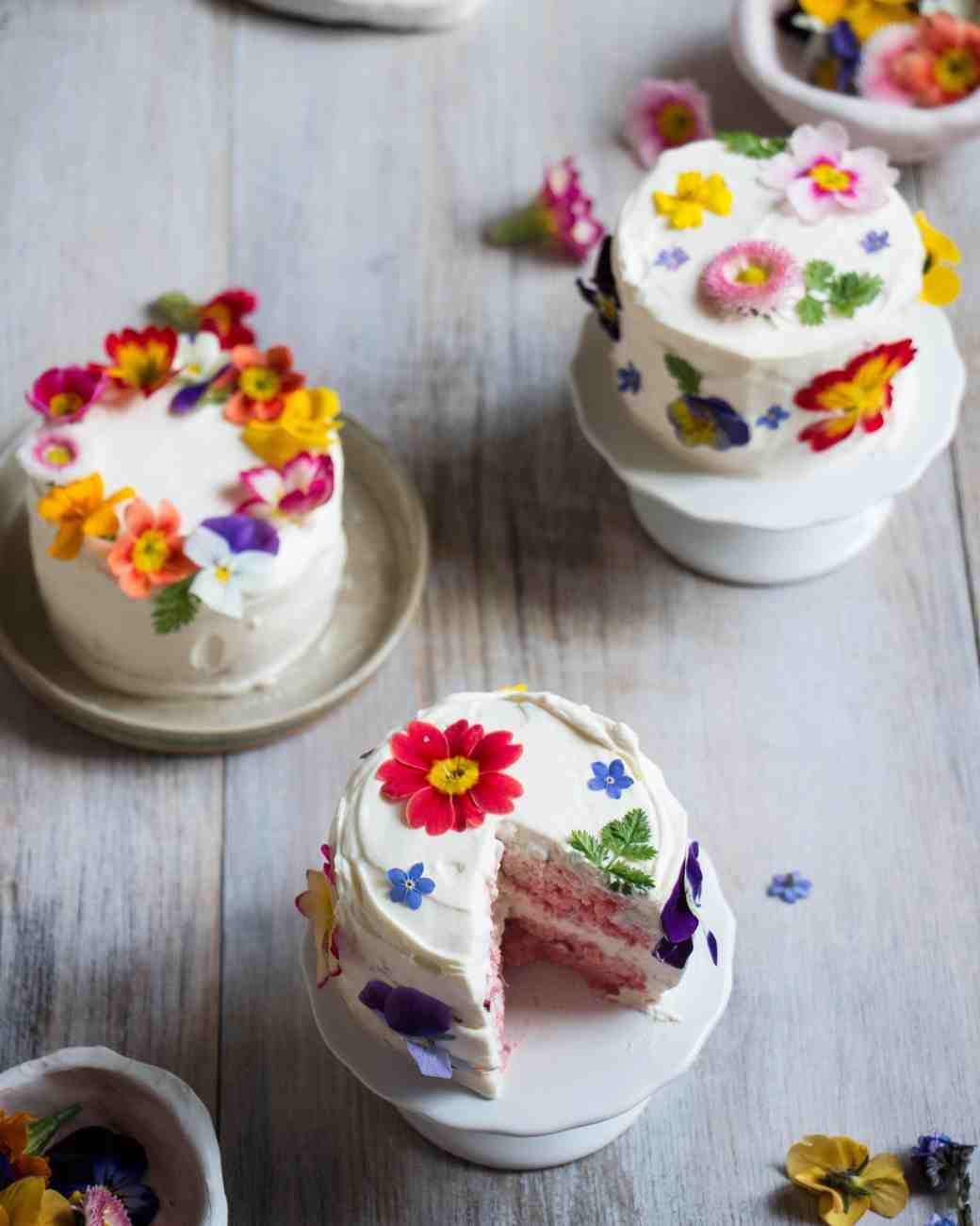 mini cakes floral