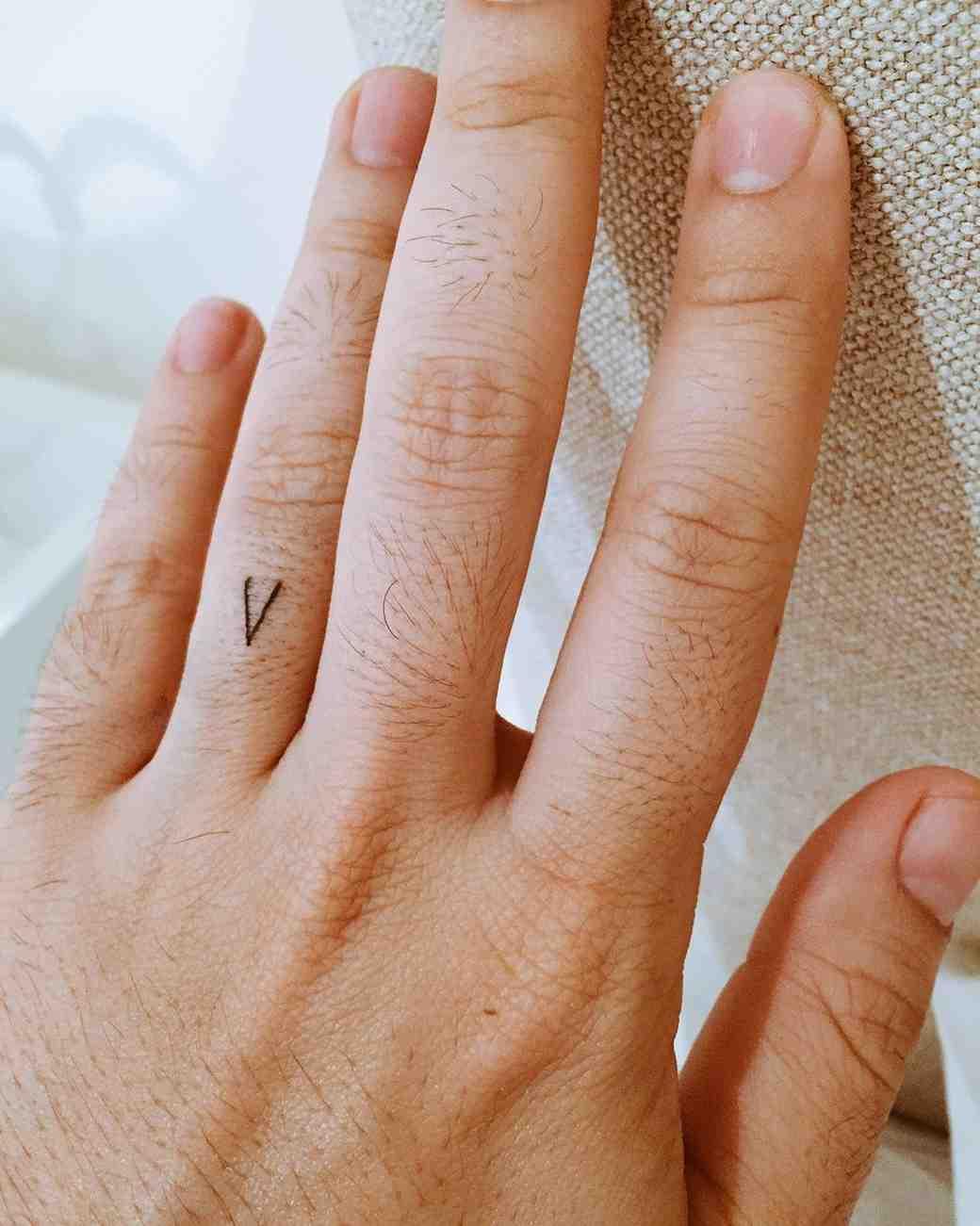 """Lin-Manuel Miranda's """"V"""" tattoo in honor of wife Vanessa"""