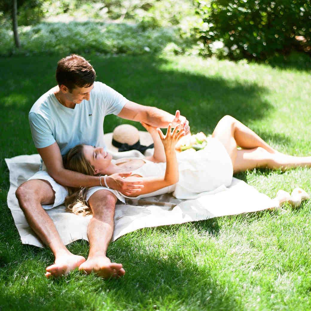 mini moon couple having picnic