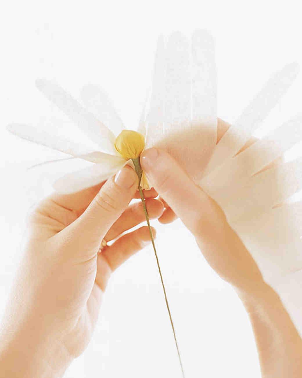 ml243_spr01_crepe_paper_flowers_ff4.jpg