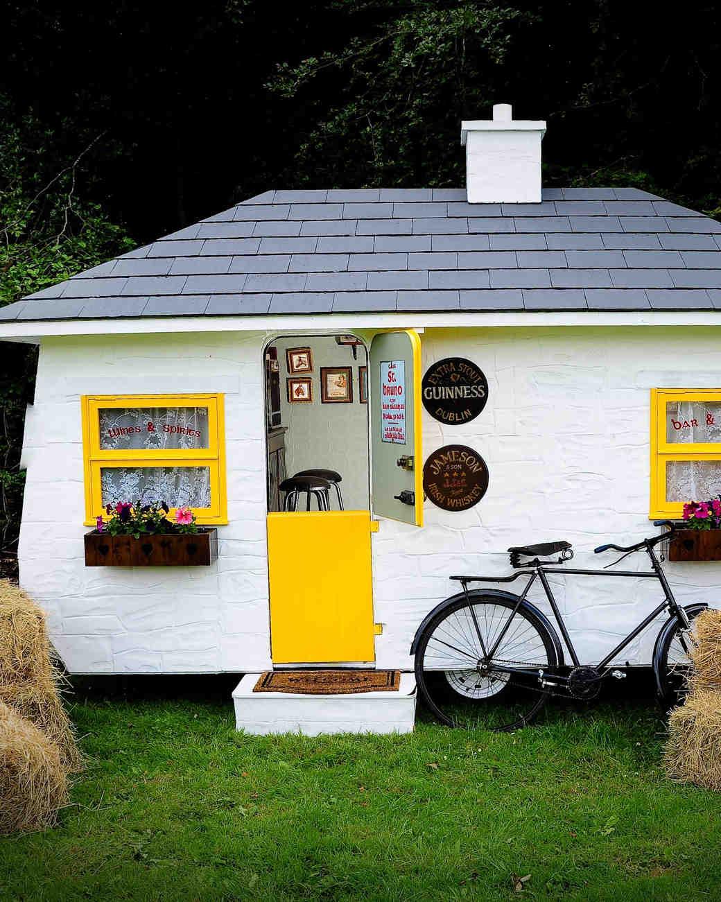 mobile-bar-shebeen-pub-ireland-0315.jpg