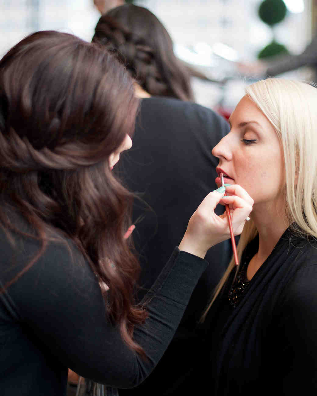 6 Dos and Don'ts of Being a Bridesmaid in the Makeup Chair