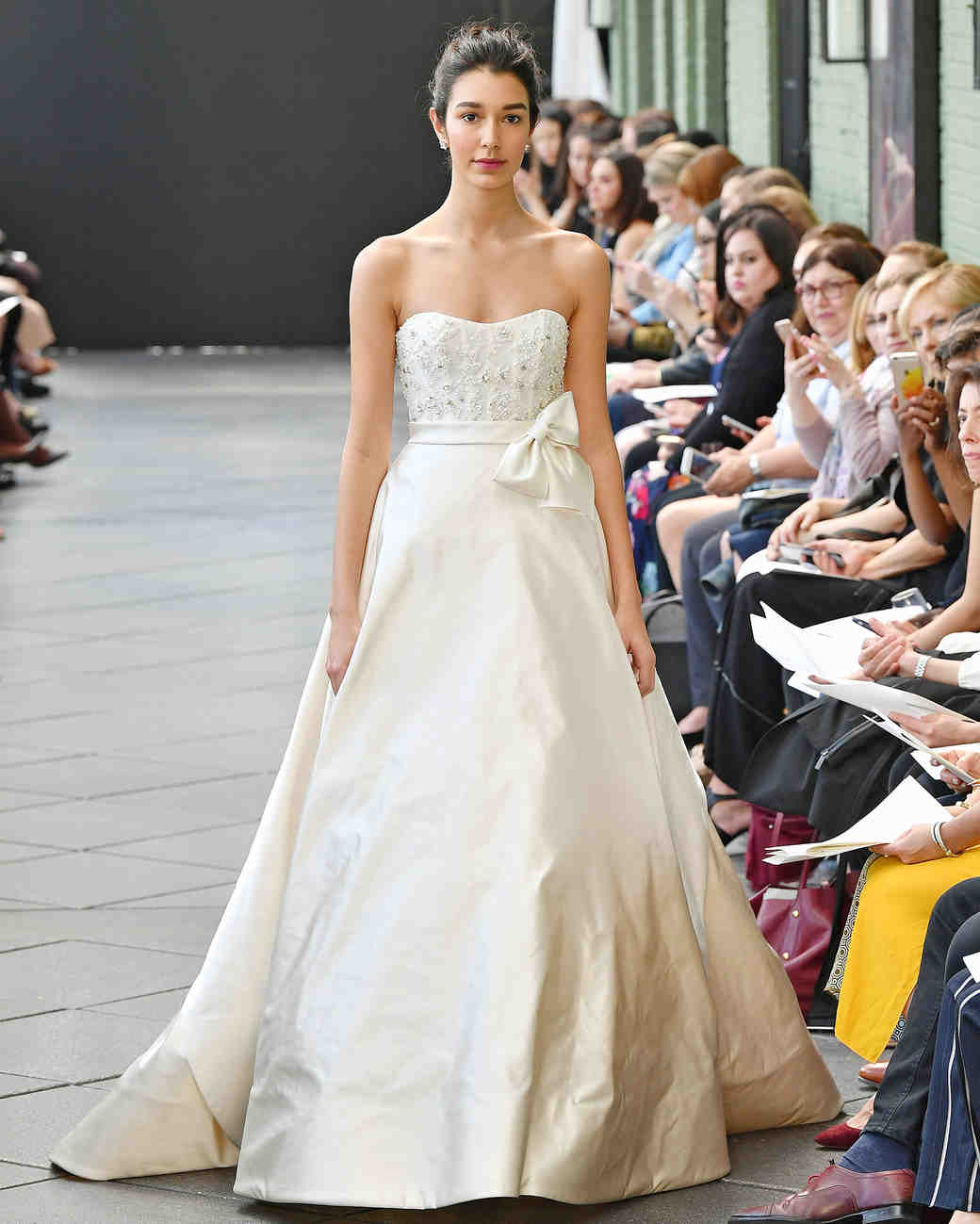 nouvelle amsale wedding dress spring 2019 strapless with bow on belt
