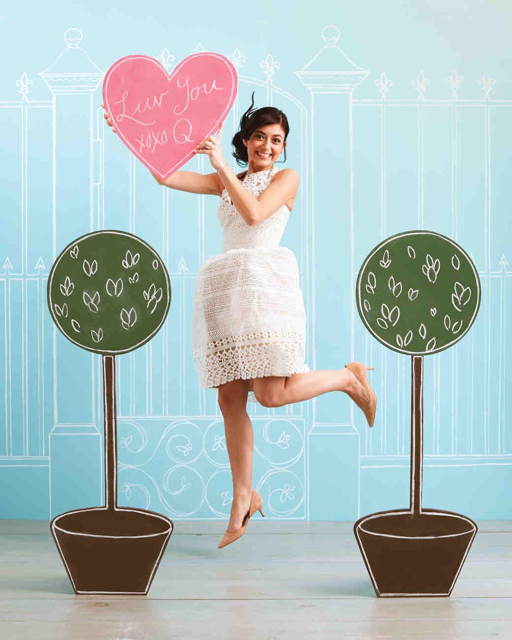 photobooth-woman-heart-0617-d111519.jpg