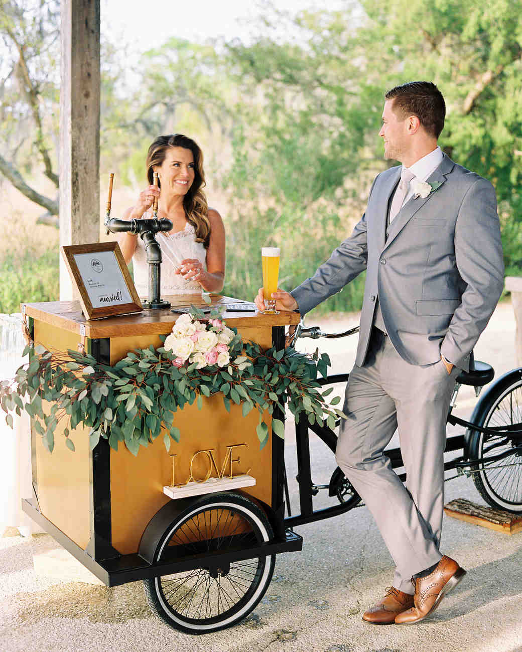 sweet lulus mobile food cart bride groom