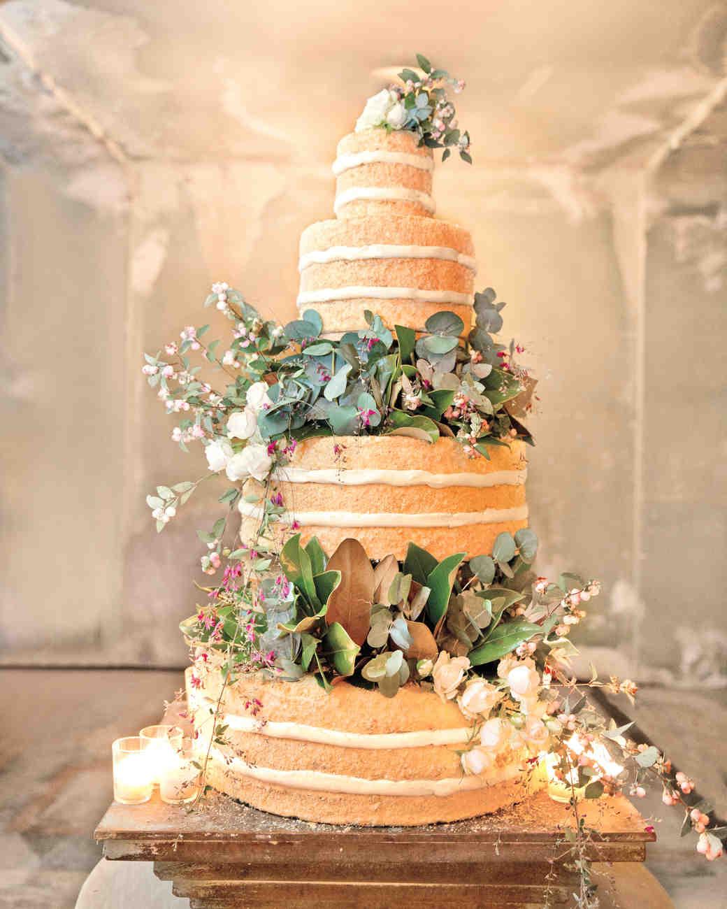 Make chocolate sponge wedding cake