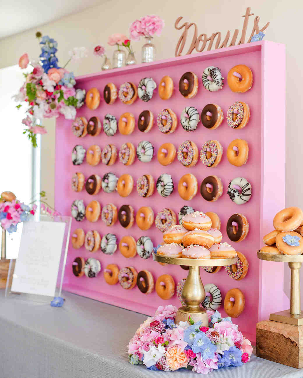 23 Delicious Ways to Serve Donuts at Your Wedding | Martha Stewart ...