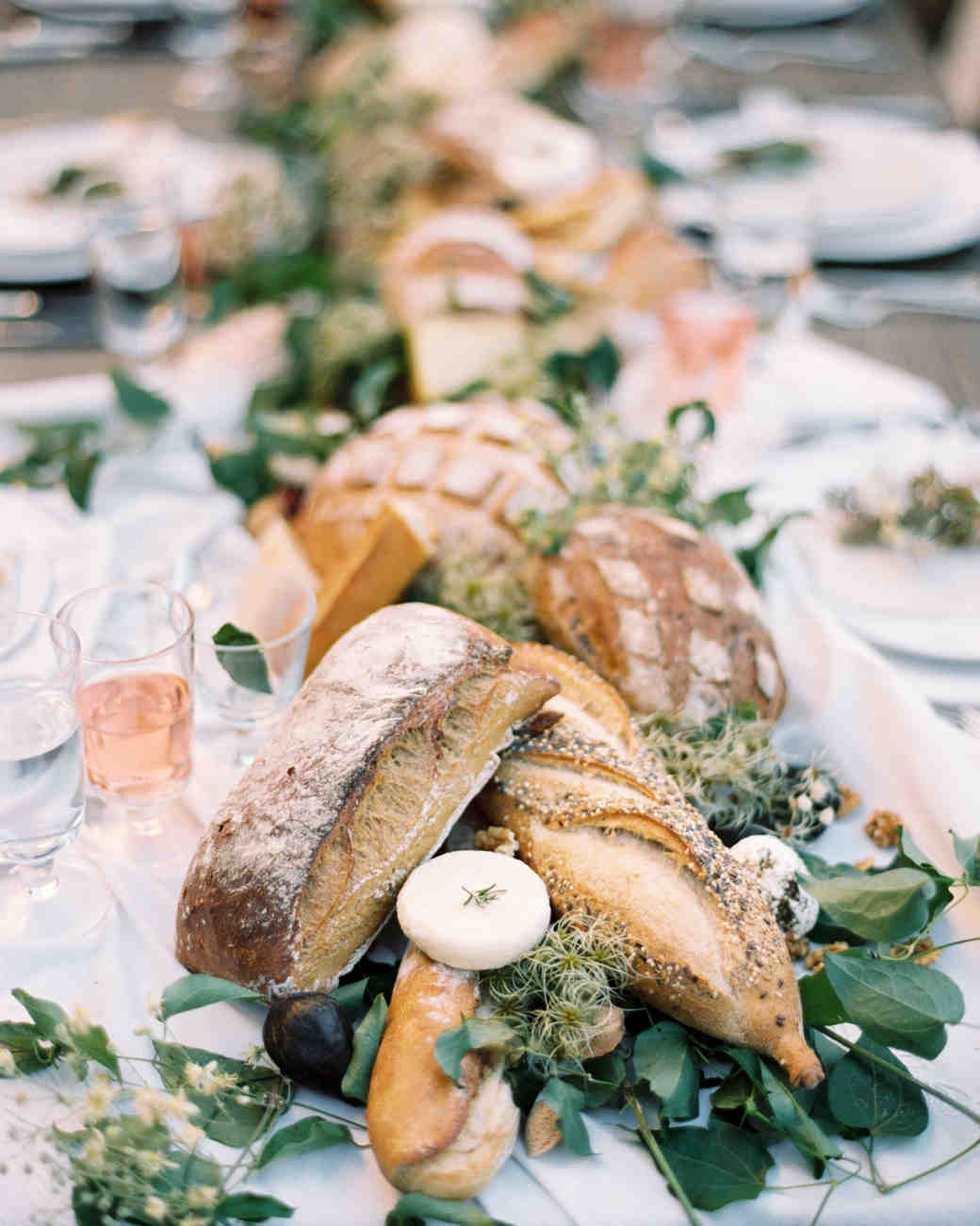 bread loaves as table centerpiece