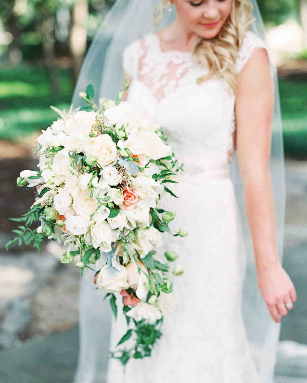 32 Chic Cascading Wedding Bouquets  528ab1434