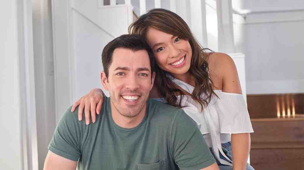 Property Brothers star Drew Scott and fiancee Linda Phan