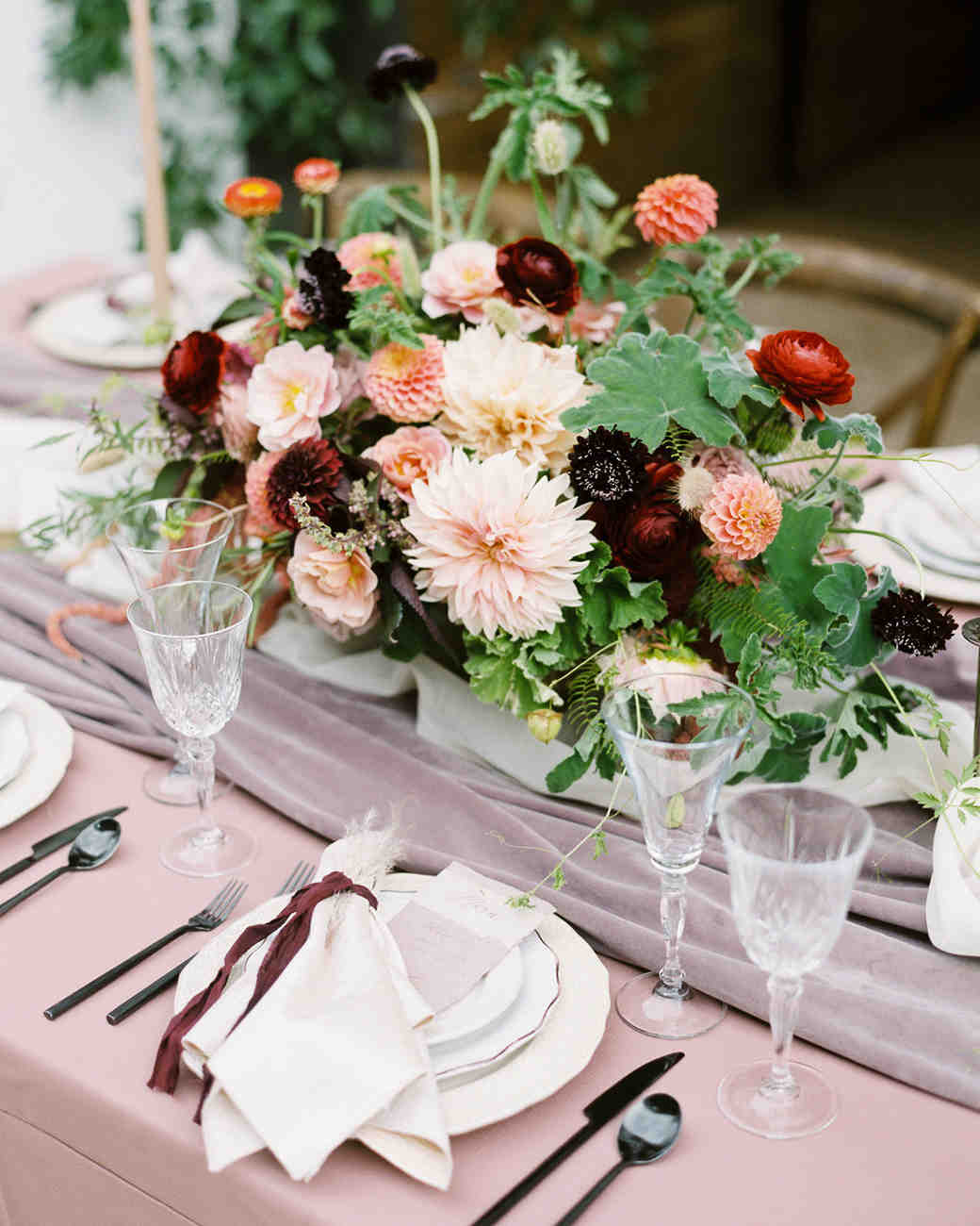 24 Ways to Use In-Season Flowers in Your Fall Wedding Arrangements ...