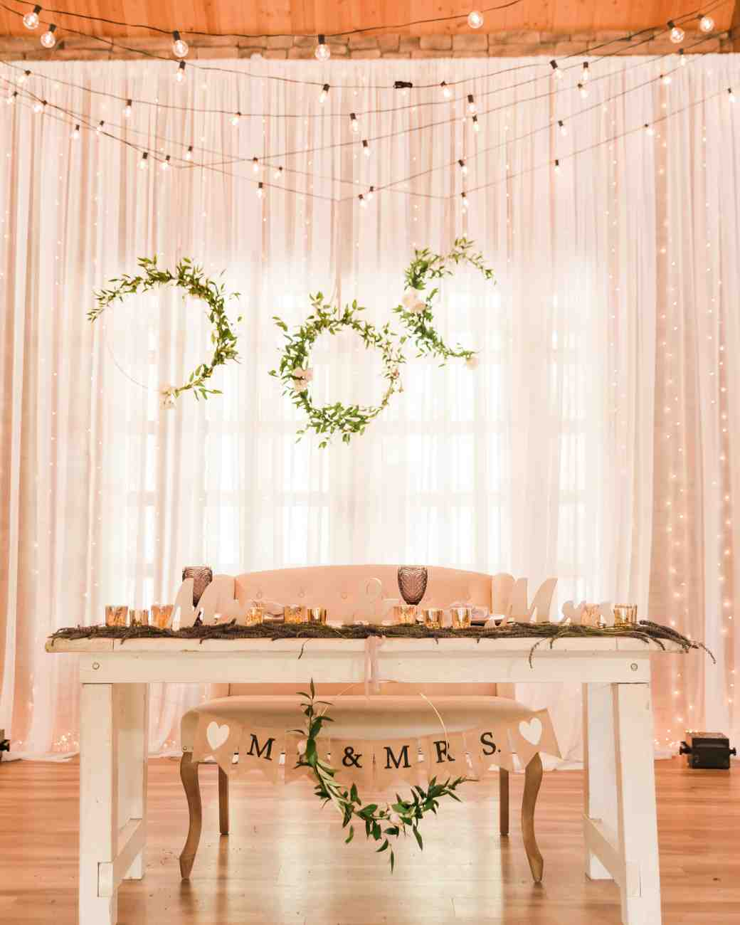 hoop backdrop sweetheart table