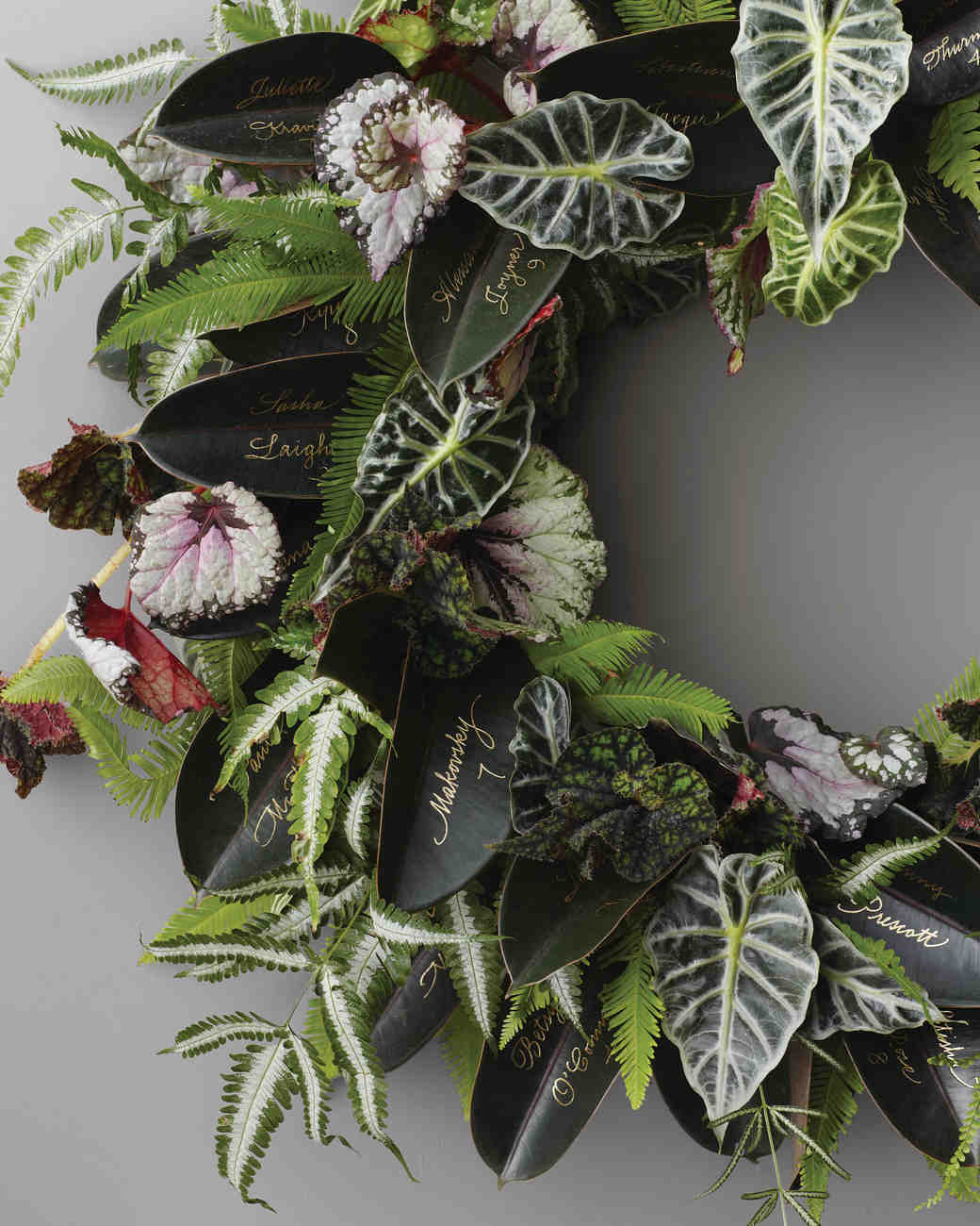 mantle-wreath-203-exp2-shd-mwd110471.jpg