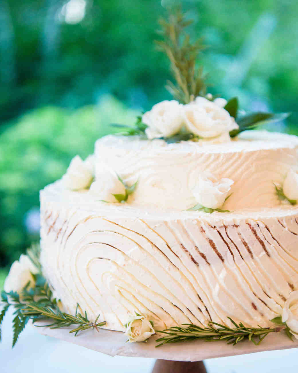 faux bois wedding cake