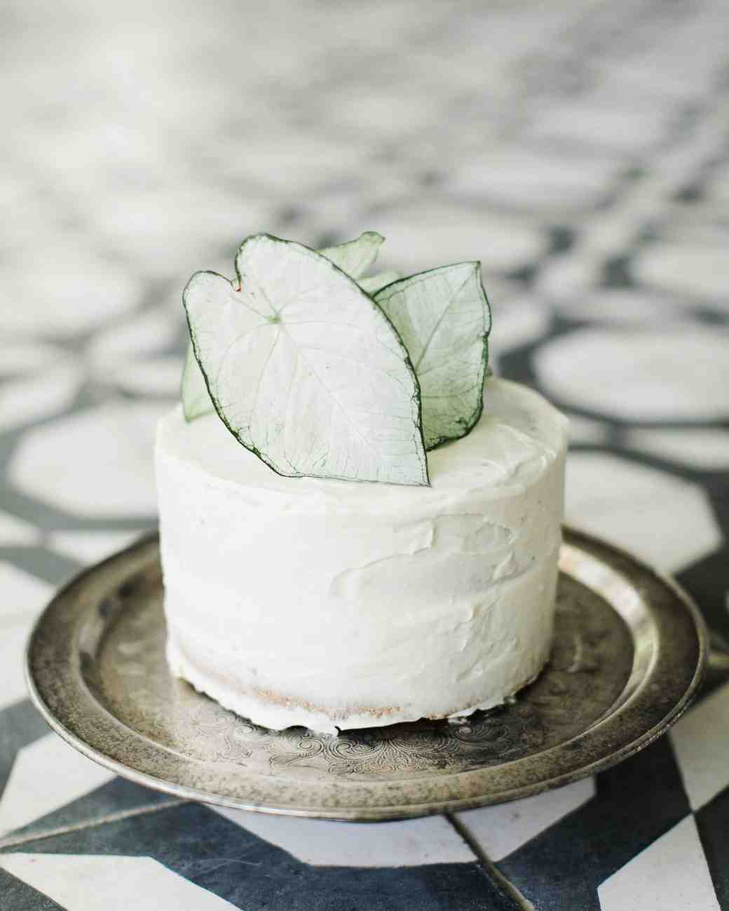 white mini cake