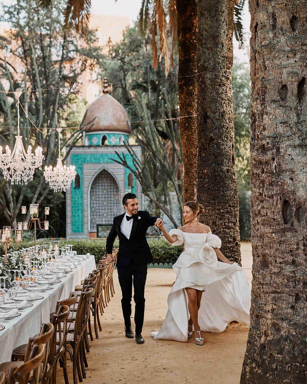 karolina sorab wedding couple outdoor reception