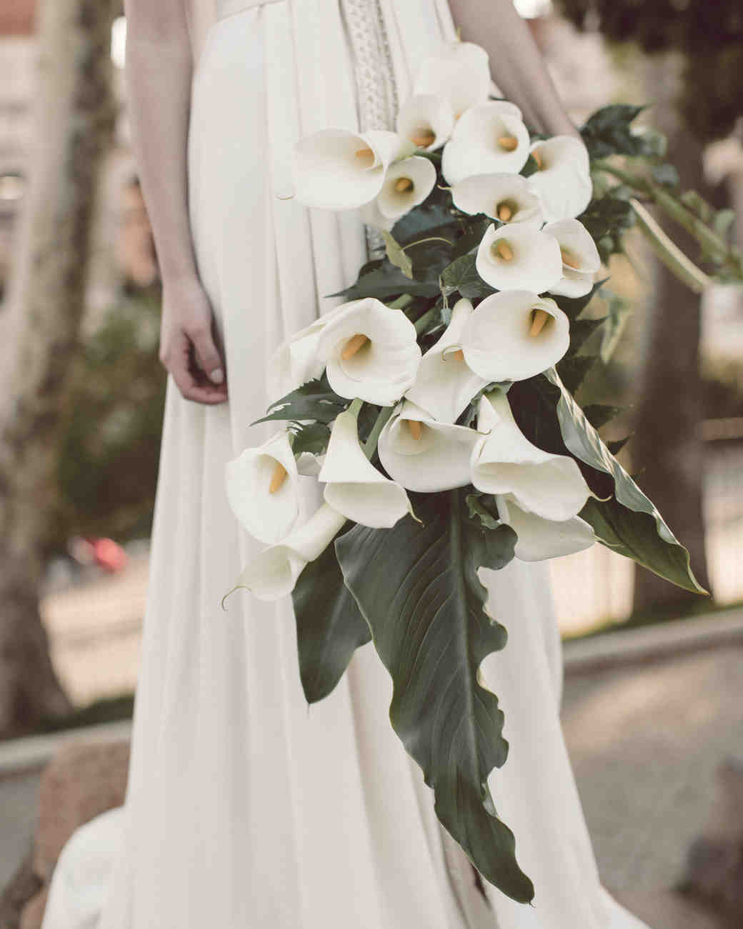 large bouquet with calla lilies and leaves