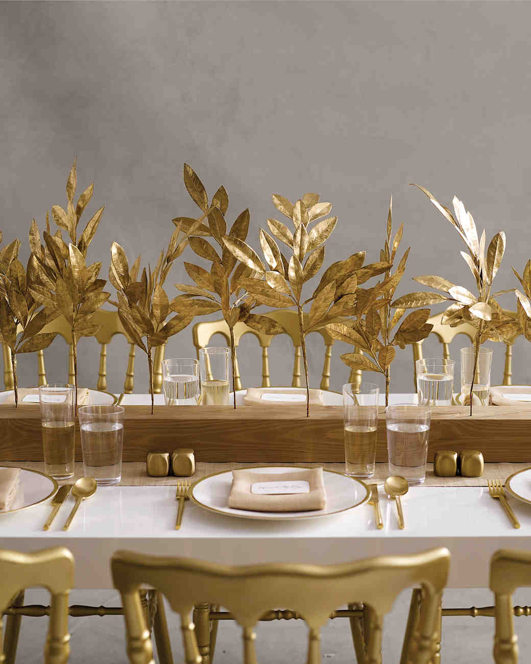 Gold Wedding Decorations: 25 Non-Floral Wedding Centerpiece Ideas