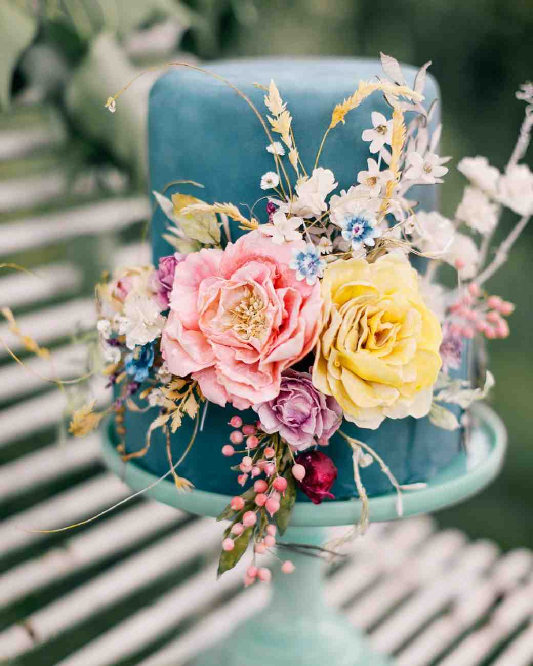 summer wedding cakes blue slate fondant