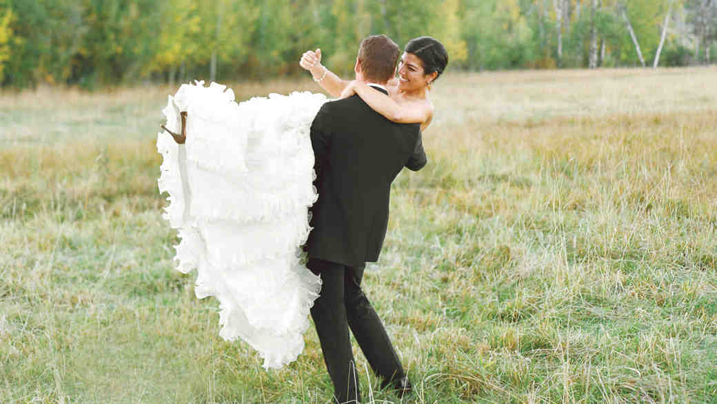 An Elegant Wedding Amidst the Mountains in Wyoming