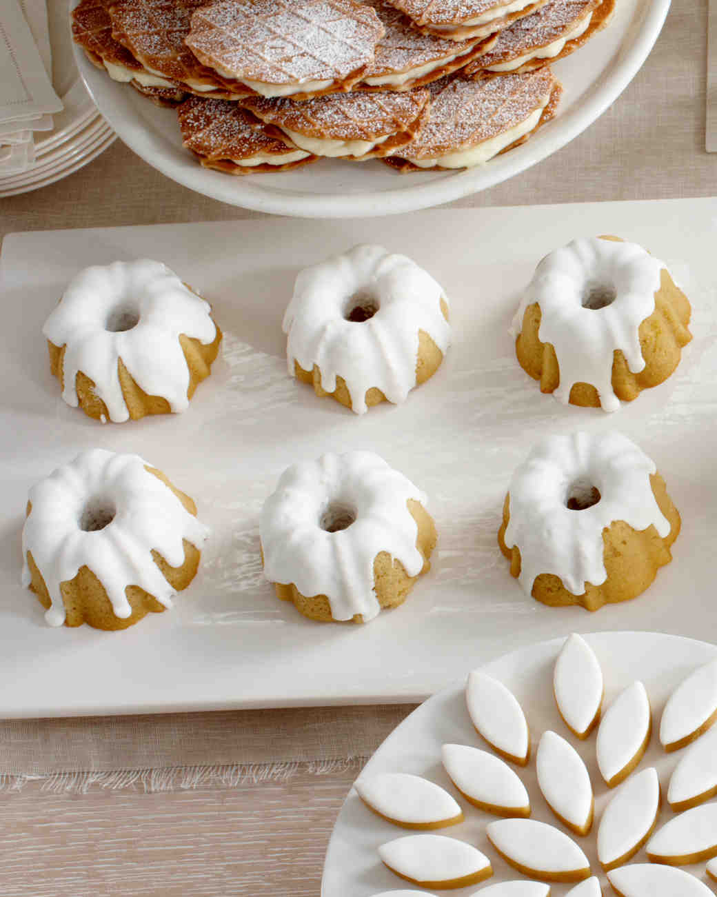 boozy-desserts-rum-bundt-wd106494-0814.jpg