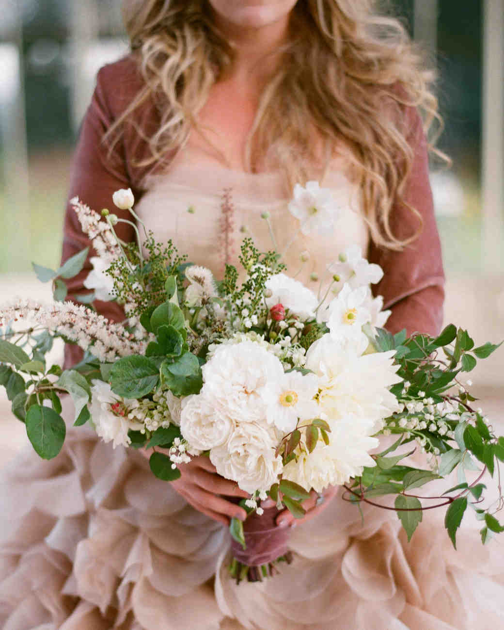 Summer Wedding Bouquets That Embrace The Season Martha Stewart