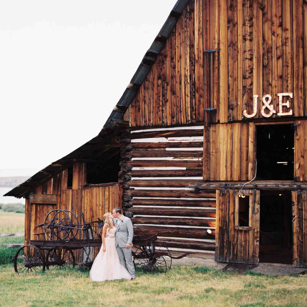 You Booked Your Wedding Vendors—What's Next?