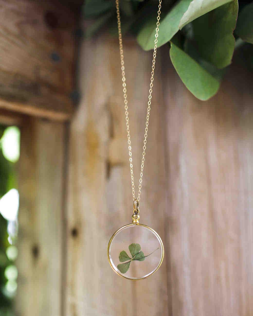 kelly-marie-dave-wedding-necklace-0414.jpg