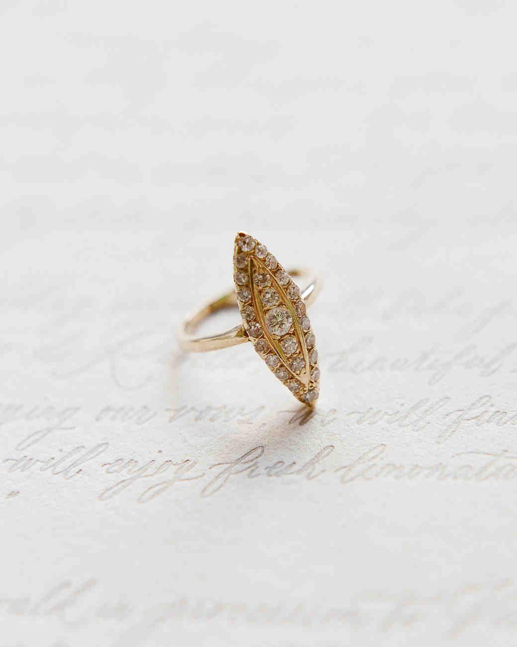 lisa greg italy wedding ring