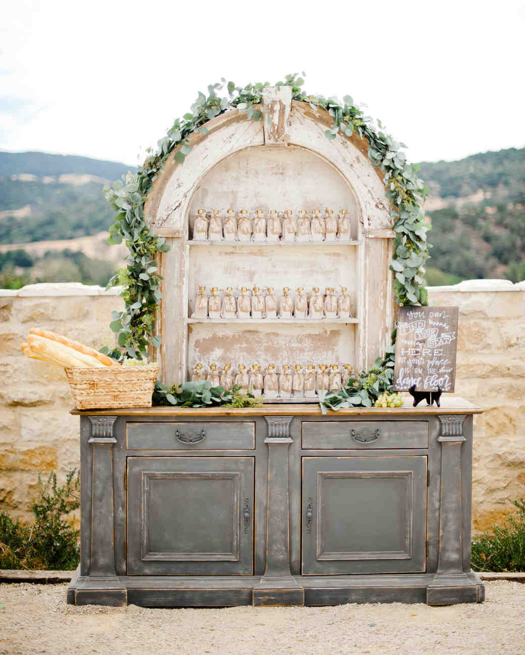 Country Rustic Wedding Altars: 26 Rustic Wedding Ideas That Still Feel Elevated