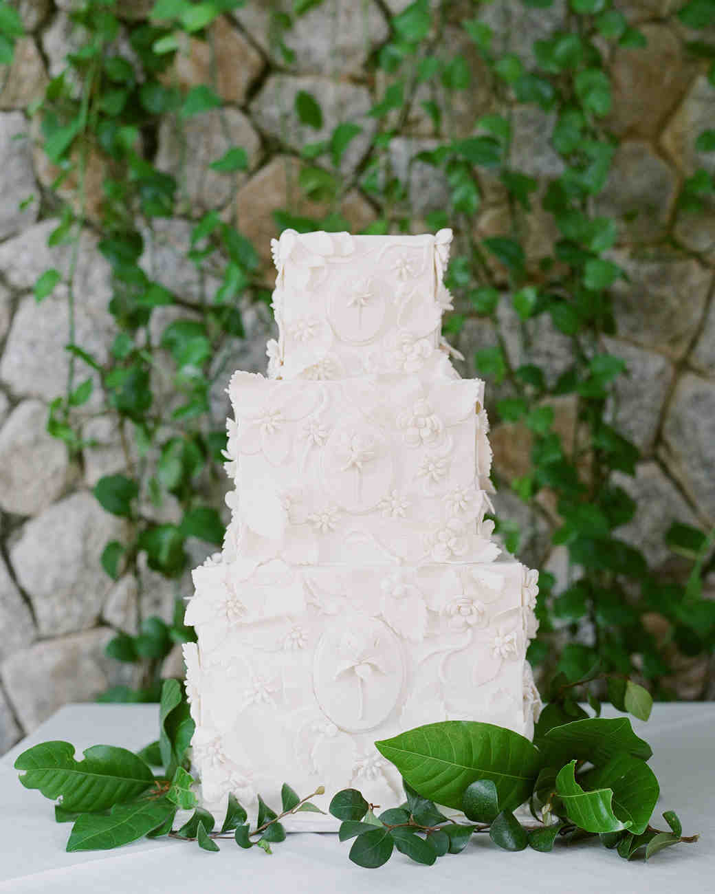 stacy brad wedding thailand white cake
