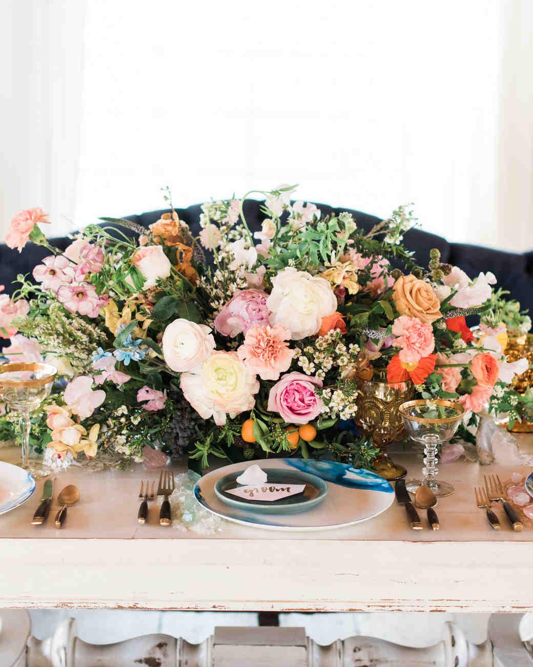 Summer Centerpieces Martha Stewart : Stunning summer centerpieces using in season flowers