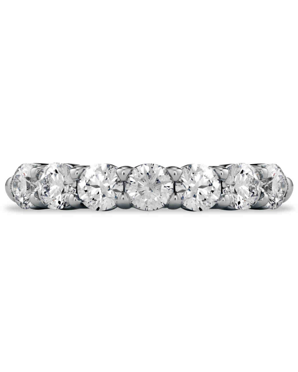 womens-wedding-bands-heartsonfire-0415.jpg