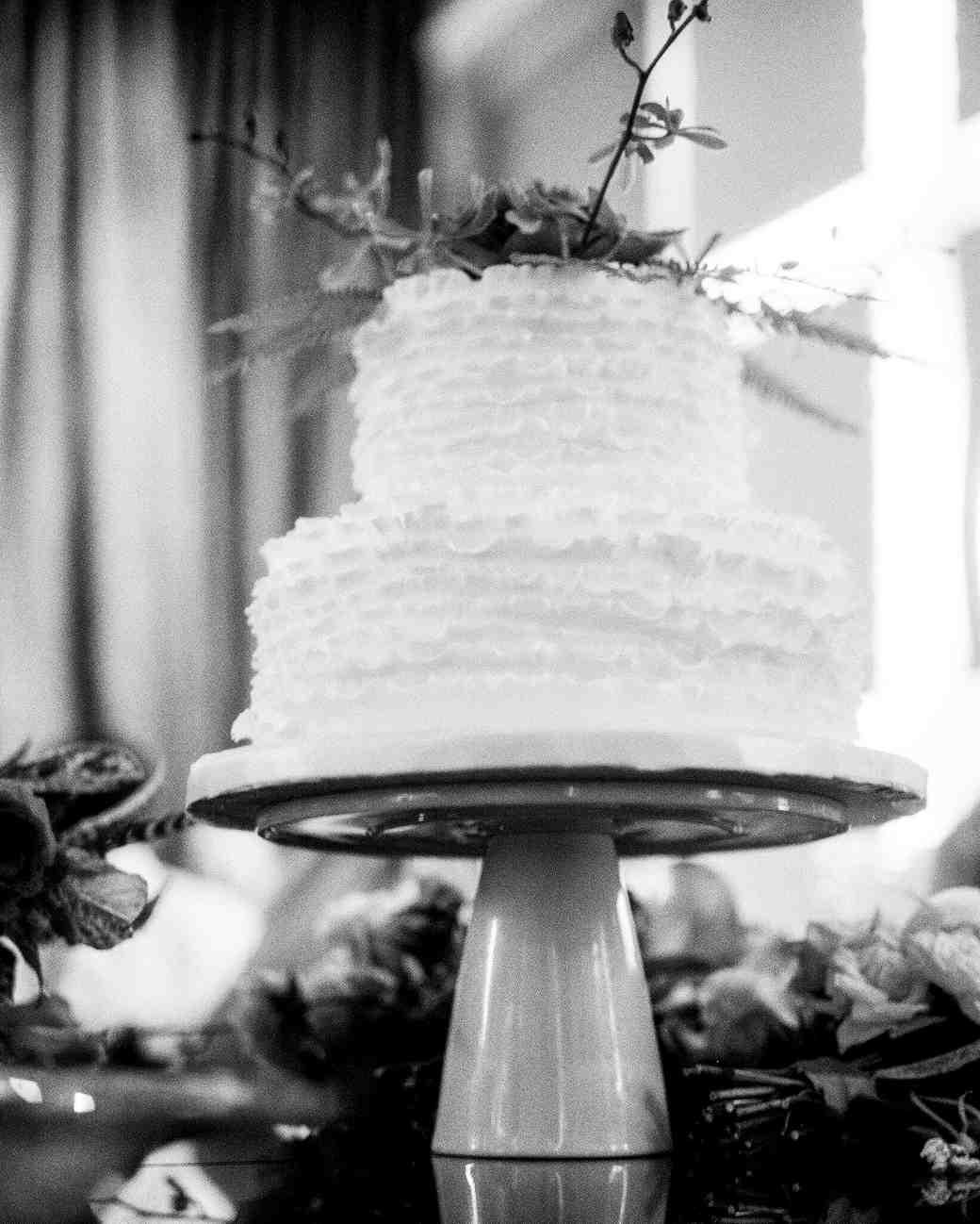 abby-jose-wedding-cake-317-s112118-0815.jpg