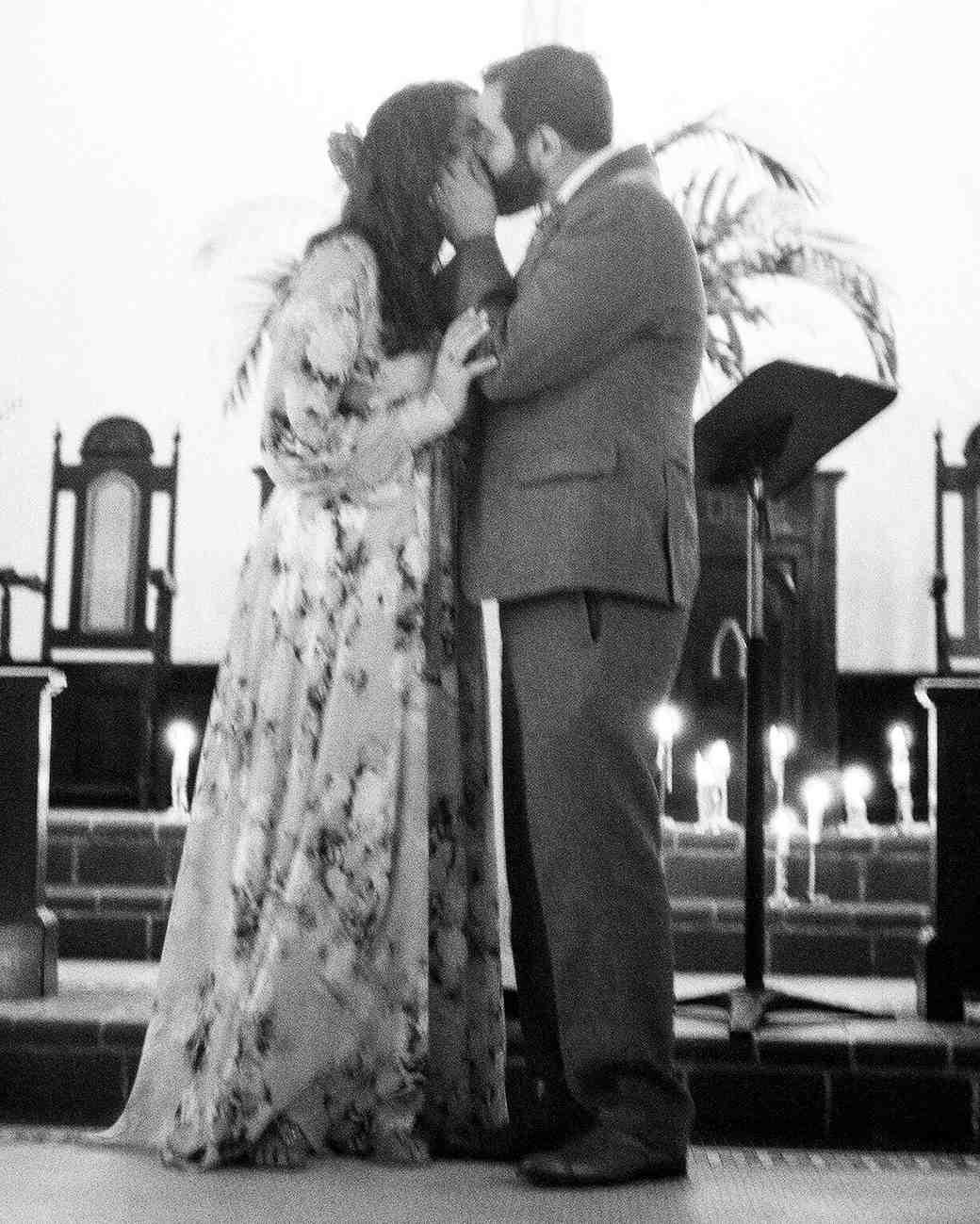 abby-jose-wedding-kiss-275-s112118-0815.jpg
