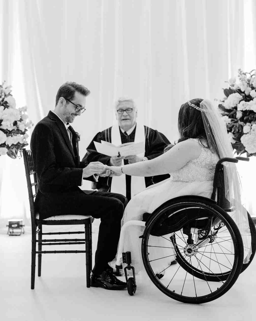 elizabeth seth wedding ceremony couple reciting vows
