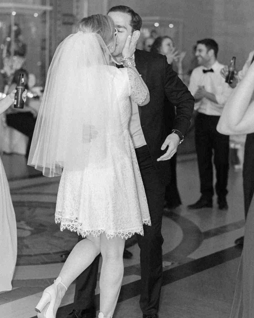emily-max-wedding-michigan-1341-s112396.jpg