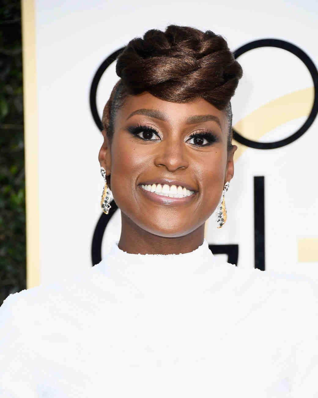 Issa Rae Beauty Look Golden Globes 2017