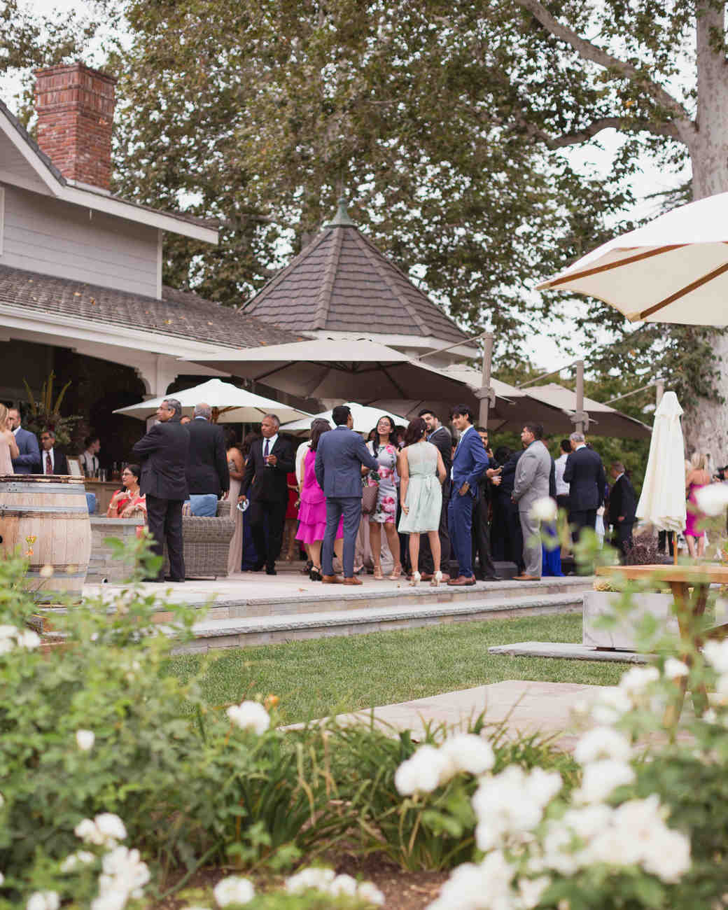 california indian jewish wedding outdoor cocktail hour