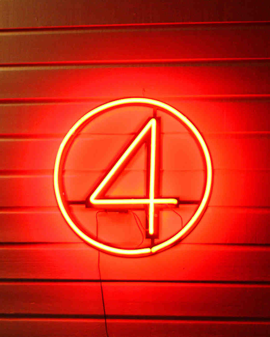 "neon ""4"" sign"