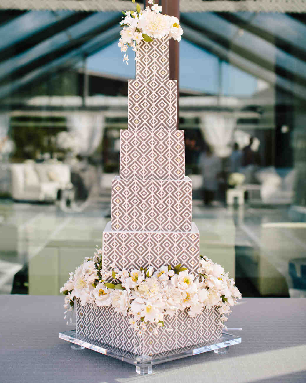 20 unique wedding cake shapes contemporary couples should consider 20 unique wedding cake shapes contemporary couples should consider martha stewart weddings junglespirit Gallery