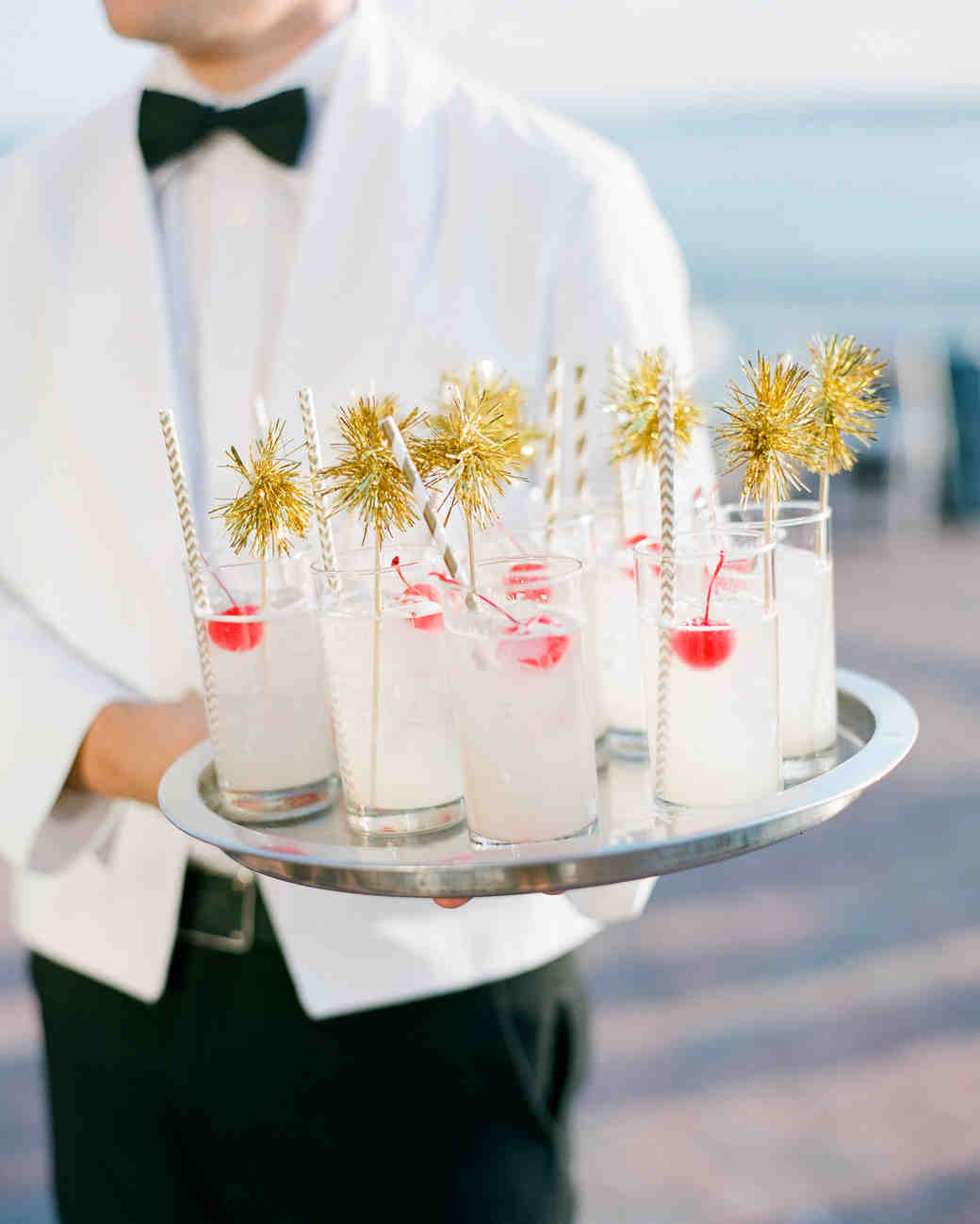 Wedding Drinks Ideas: Fun And Festive Ideas For A New Year's Eve Wedding