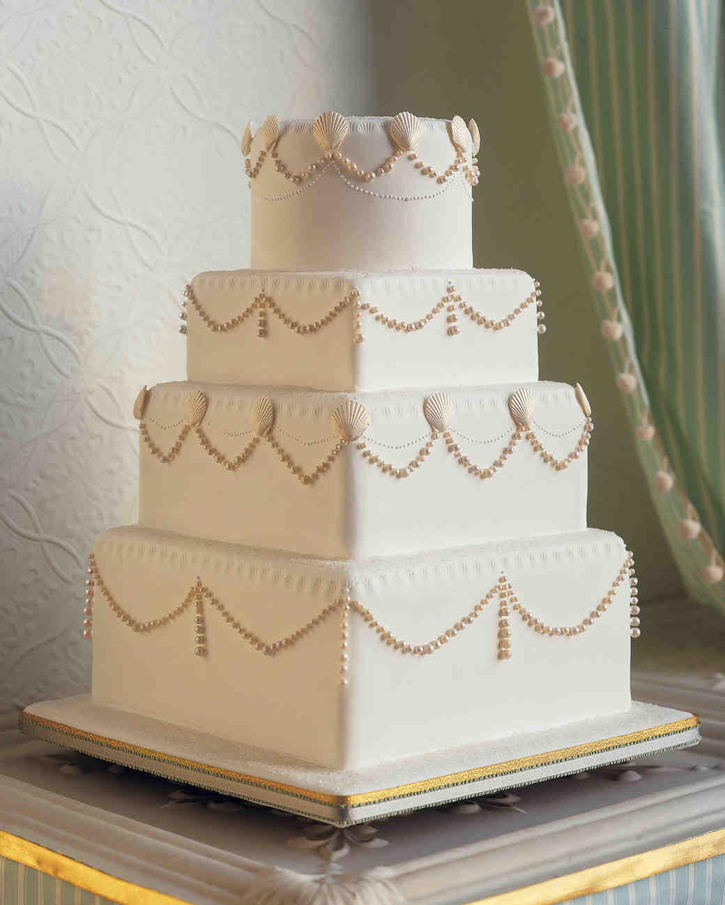 25 amazing beach wedding cakes | martha stewart weddings
