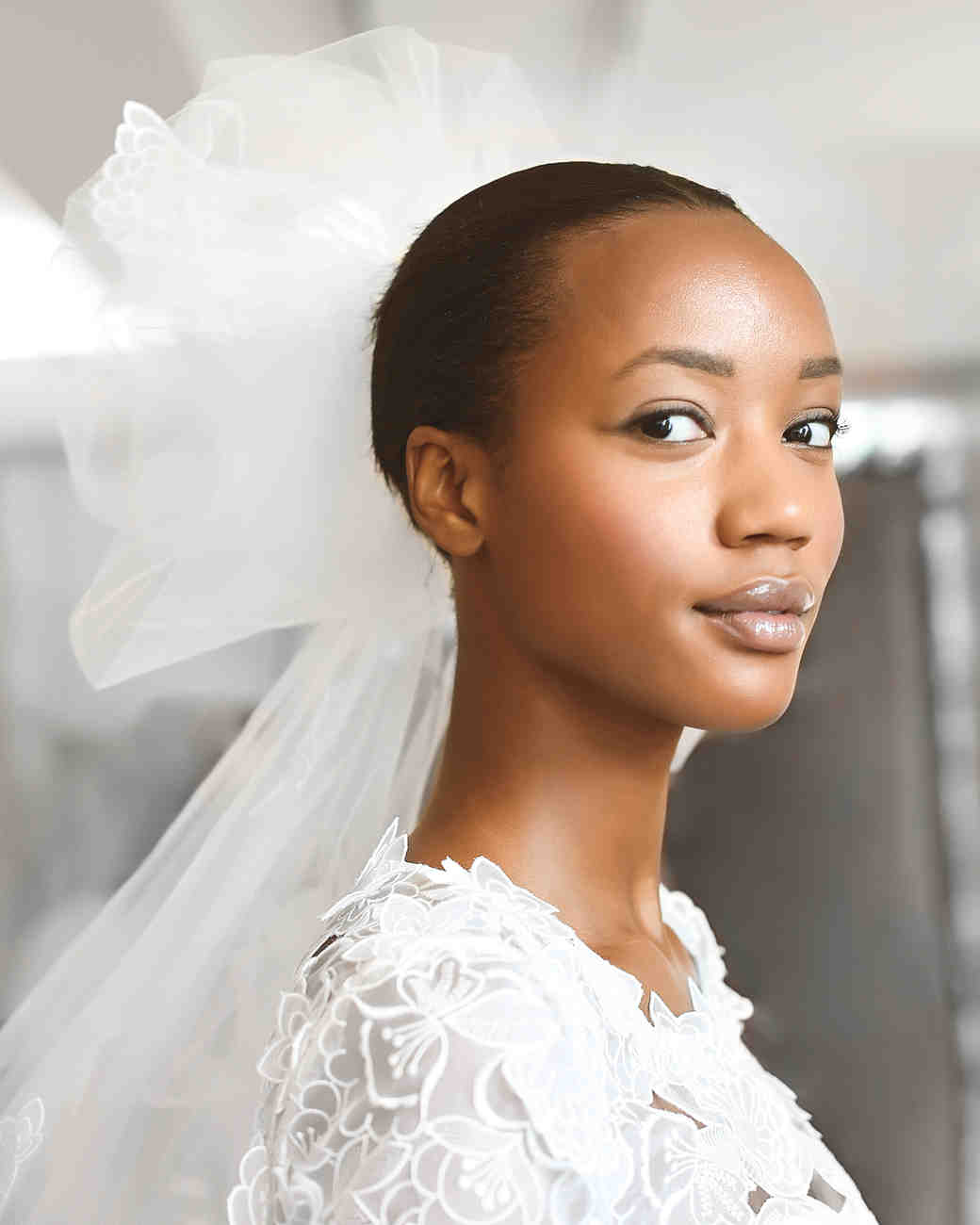 Wedding Hairstyle For Chubby Face: Runway Report: 5 Bridal Hairstyles Straight From The