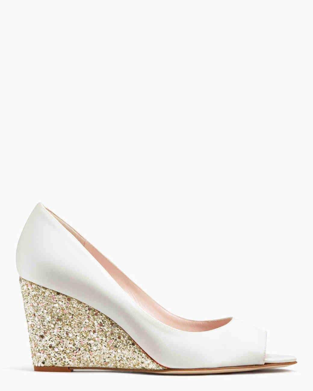 084b3c4675da Wedding Shoes That Won t Sink Into the Grass at an Outdoor Wedding ...