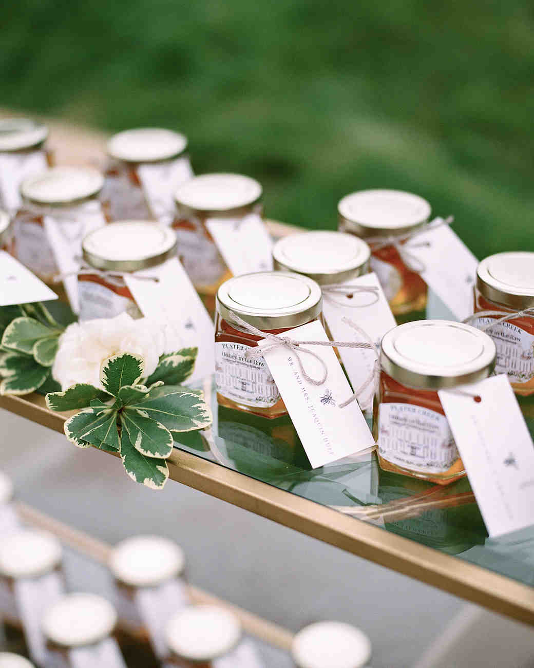 37 Edible Wedding Favors Guests Will Eat Up (Literally